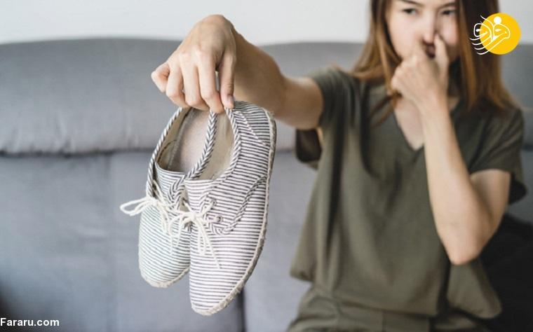 ترفندهای خانگی برای رفع بوی بد کفش