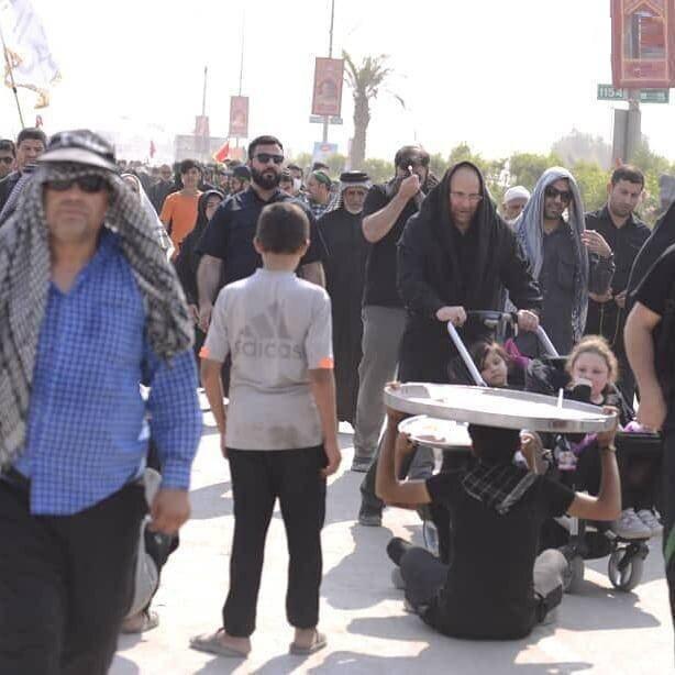(تصاویر) حرکت جالب قالیباف در راهپیمایی اربعین