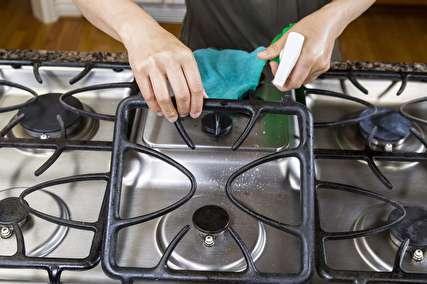 روش های عالی برای تمیز کردن اجاق گاز و مایکروویو