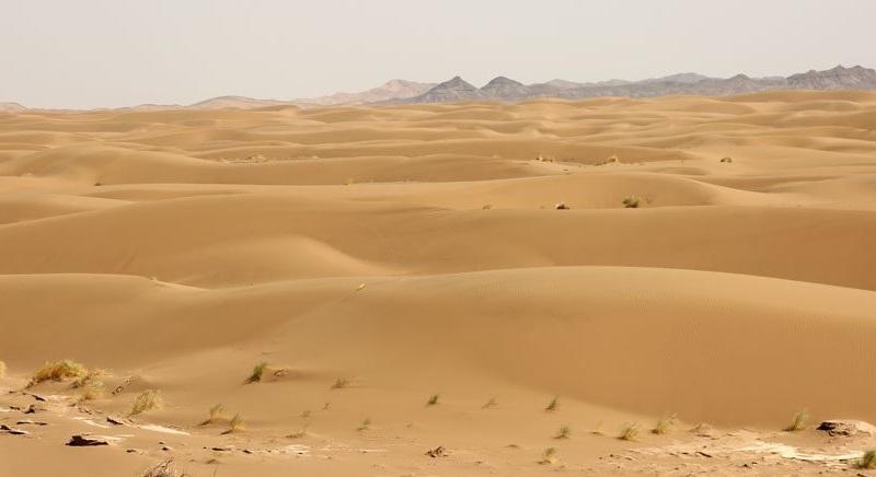 سفر به کویر ابوزید؛ یک روز پائیزی در دل کویر بکر وشهر زیرزمینی