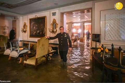 (تصاویر) ونیز زیر آب؛ گردشگران چکمهپوش شدند