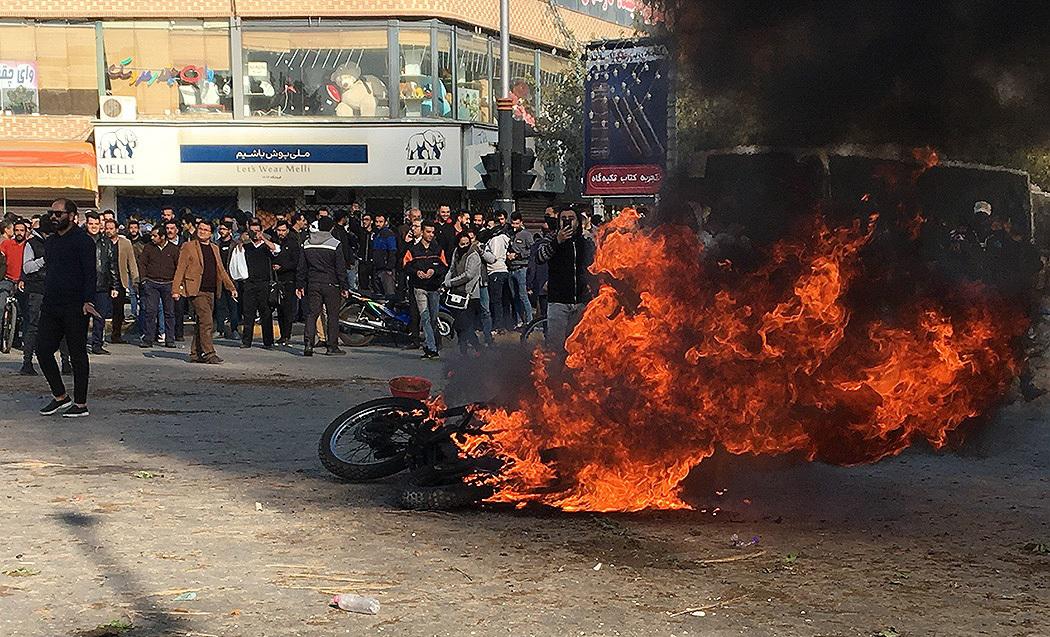 تحلیل جامعه شناسانه ماهیت وقایع اخیر؛ چرا اعتراضات در وسعت زیاد و با خشونت بالا انجام شد؟