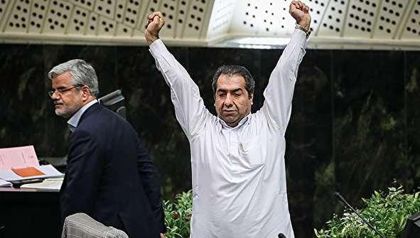 (تصاویر) حاشیههایی از جلسه علنی مجلس شورای اسلامی