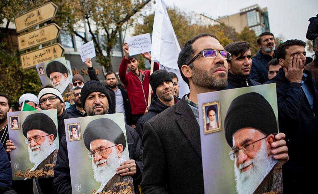 (تصاویر) تبریزیها کفن پوش به خیابان آمدند