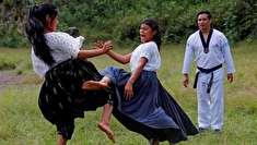 (تصاویر) دختران تکواندوکار با دامن!