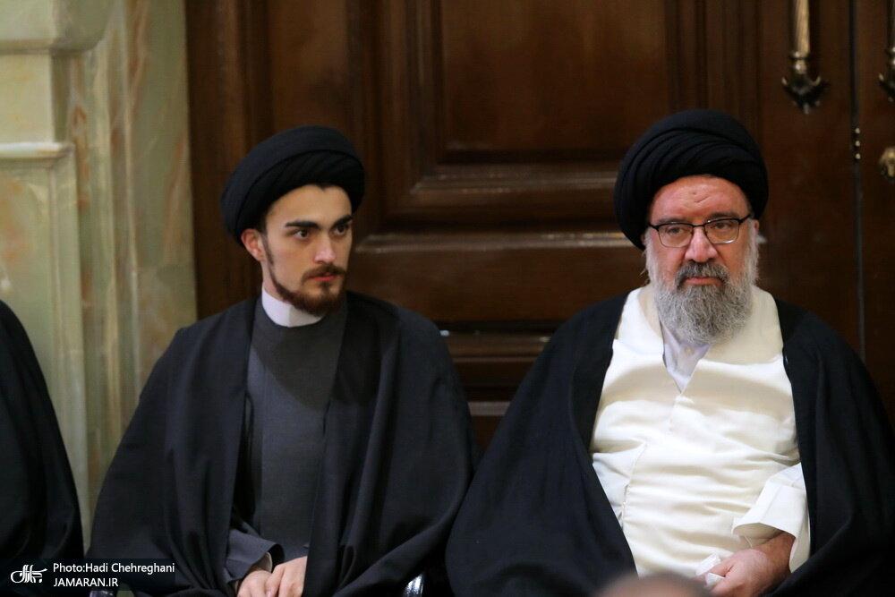 عکسی از همنشینی سید احمد خمینی و احمد خاتمی