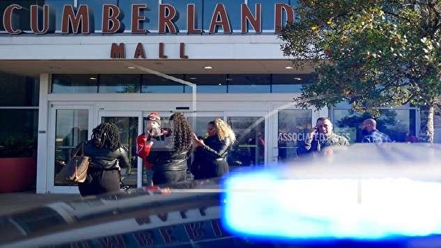 تیراندازی در مرکز خرید و ترس و فرار مردم