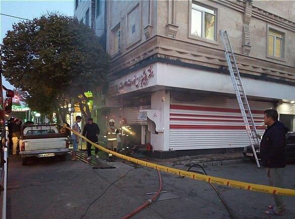 (تصاویر) آتشسوزی دفتر پیشخوان دولت در جنوب تهران