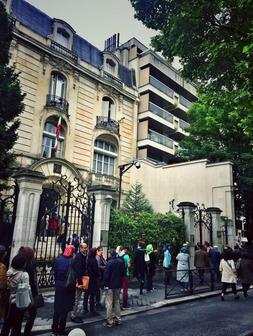 صف ریا دهندگان در پاریس