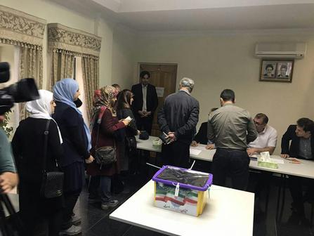 صف رای گیری در آستاراخان روسیه