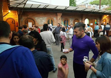 صف رای گیری در تفلیس گرجستان