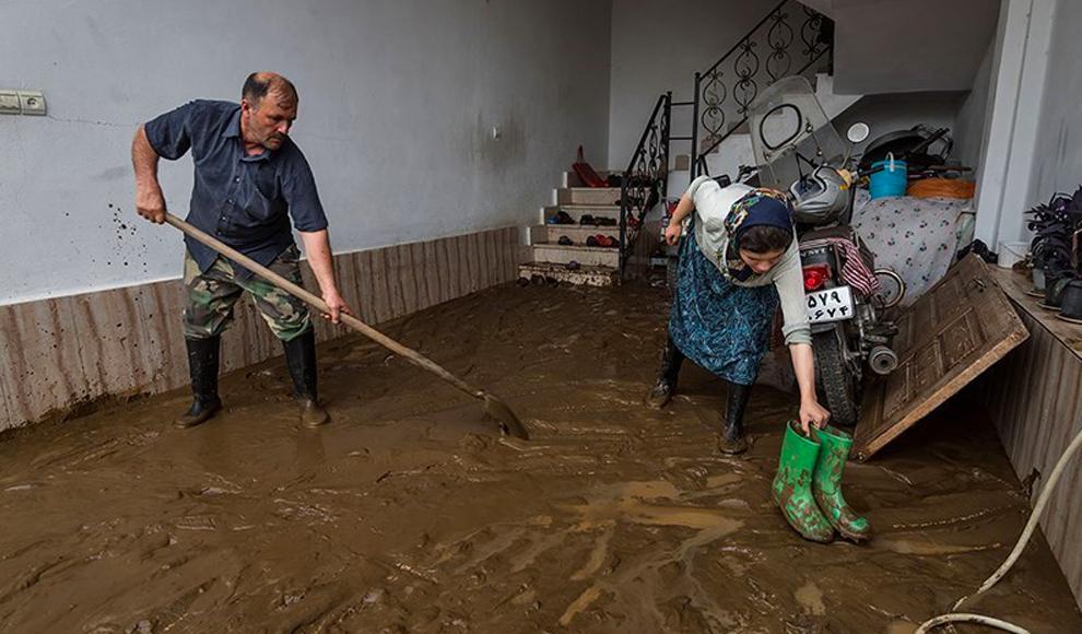 جاری شدن سیل در روستاهای لنگرود. (تسنیم/ مرتضی رفیع خواه)