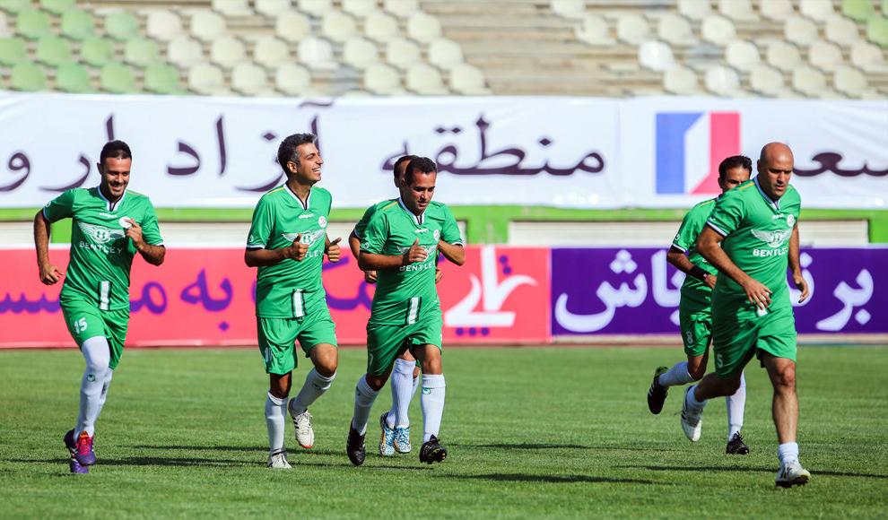 دیدار تیم منتخب پیشکسوتان فوتبال و تیم رسانه ورزش. (مهر/ شهابالدین قیومی)