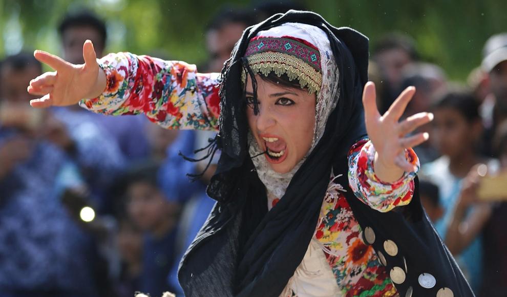 روز دوم دوازدهمین جشنواره بین المللی تئاتر خیابانی مریوان. (ایرنا/ مصلح پیرخضرائیان)