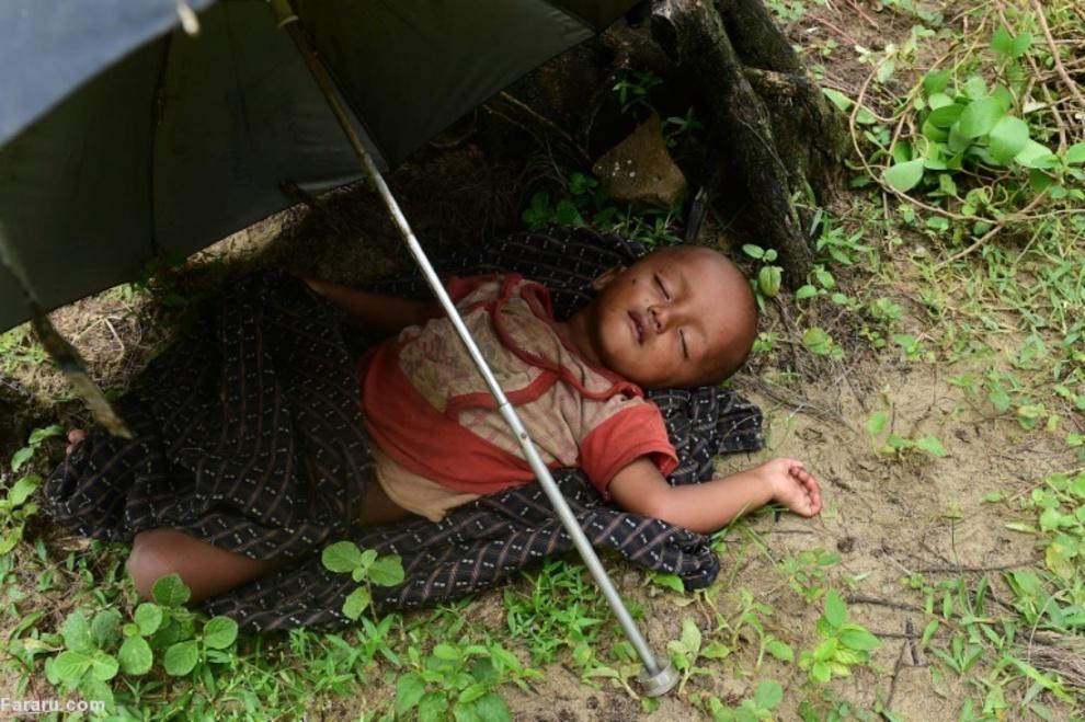 کودک خانواده مسلمان روهینگیا آواره در مرز بنگلادش