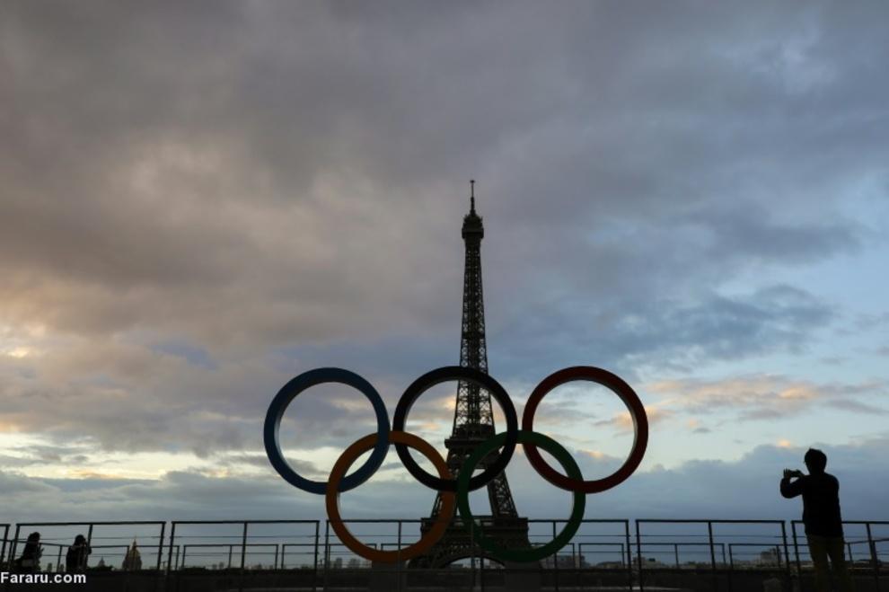 حلقههای المپیک در پاریس پس از انتخاب فرانسه برای بازیهای المپیک 2024