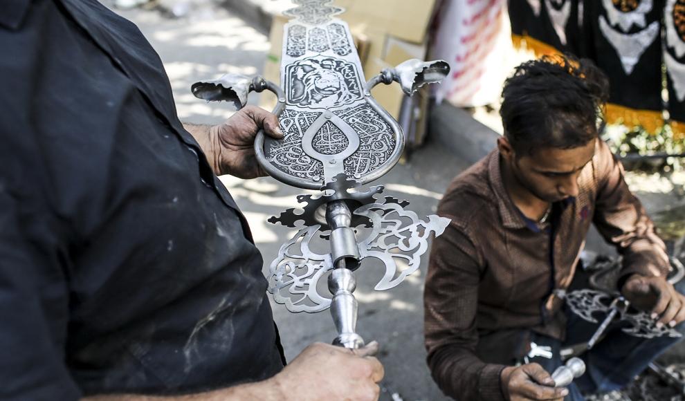 حرکت نمادین کاروان نینوا در شهر بیرجند. (مهر/ محسن نوفرستی)