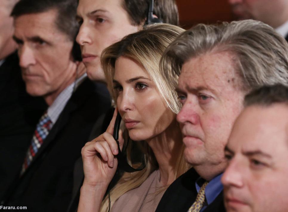 ایوانکا ترامپ در کنار استیو بنون، همسرش و مایک فلین؛ استیو بانن از چرهه های نزدیک به ترامپ در دوران انتخابات و تئوریسین شعار