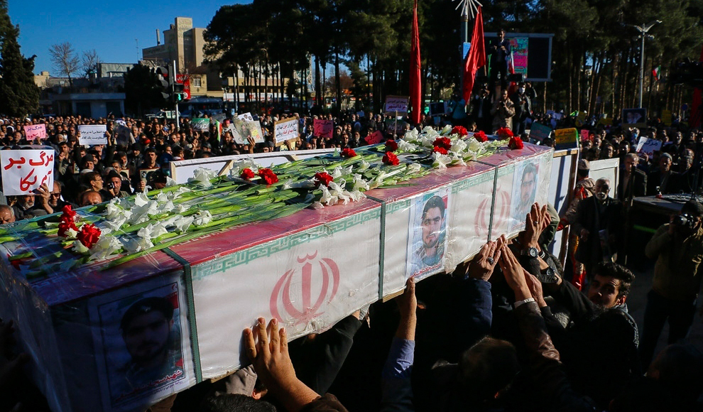 نمایش وداع با اسلحه در مجموعه برج آزادی. (محمود رحیمی/ باشگاه خبرنگاران)