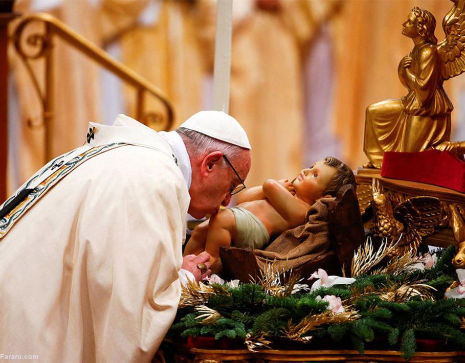 پاپ فرانسیس در کلیسای واتیکان