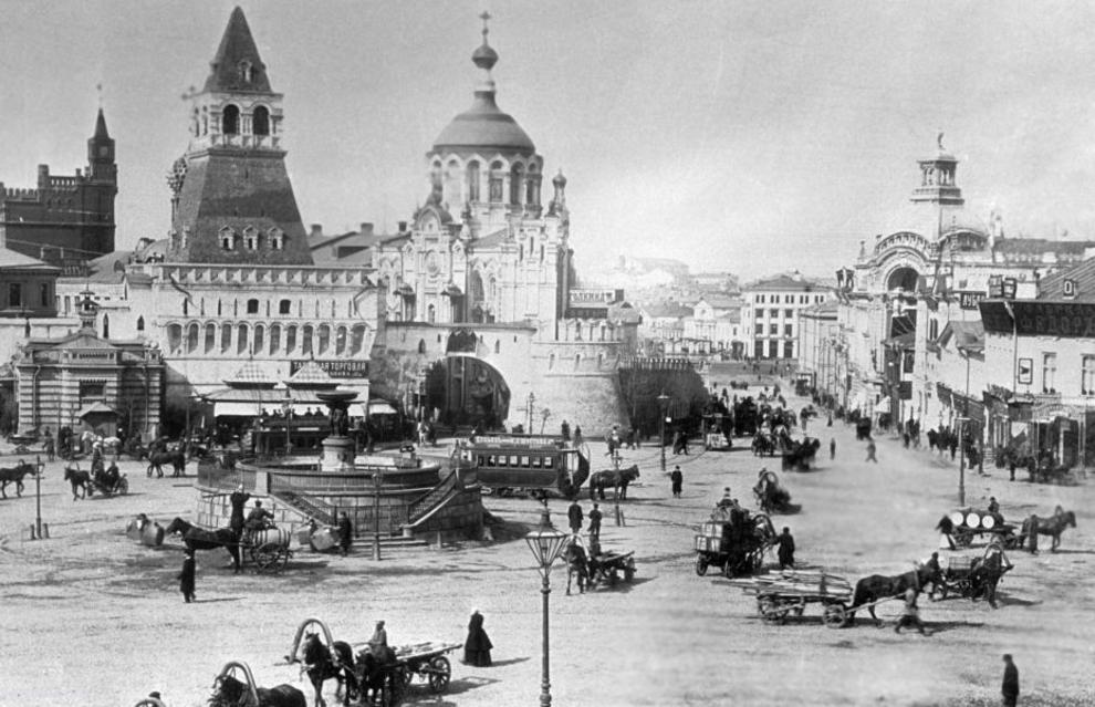 میدان لوبیانسکی در مسکو 1899