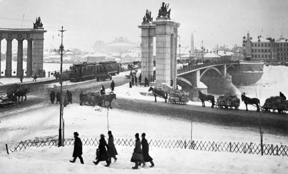 پل بارادینسکی در مسکو 1925