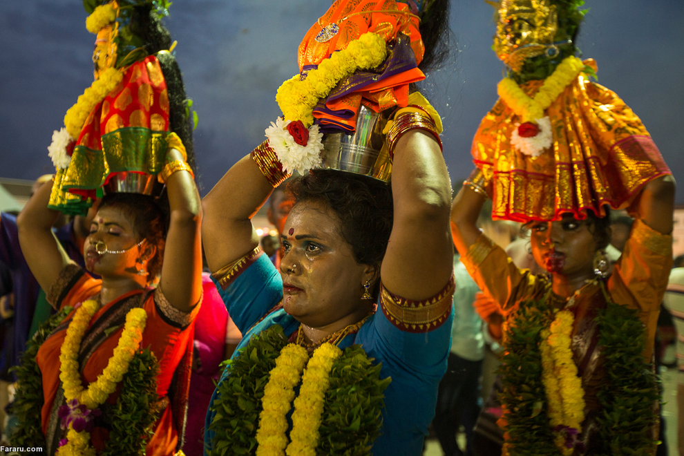 گزارشی از جشن عجیب هندوها(تصاویر)
