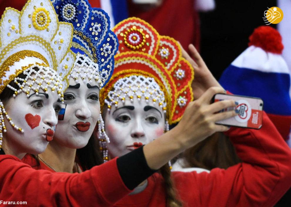 هواداران روسیه در بازی هاکی روسیه-آمریکا در 23-مین بازی های المپیک زمستانی