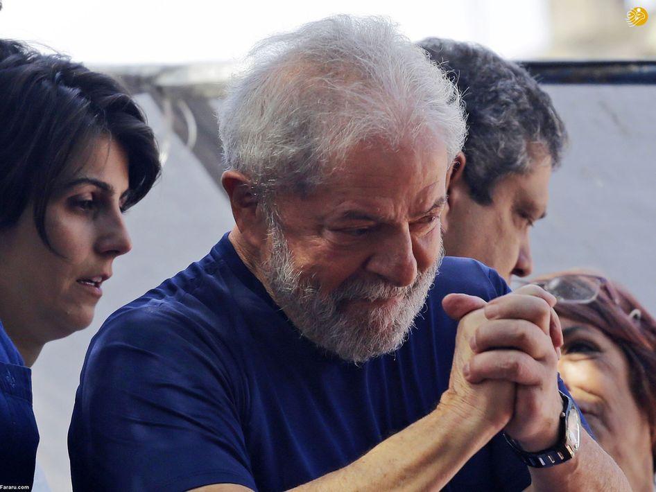 تشییع پیکر یاسر مرتجی ۳۰ ساله، فیلمنامهنویس و فیلمبردار فلسطینی در غزه، مرتجی پس از درگیری با نیروهای اسراییلی در خان یونس به شهادت رسید. (ایی پی ای)