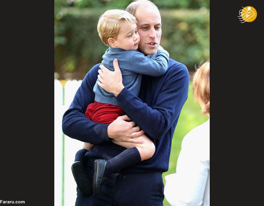 شاهزاده جرج در آغوش پدرش در تور کانادا