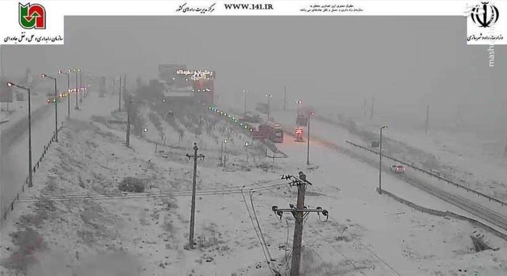 بارش شدید برف در محور فیروزکوه محدوده گردنه امینآباد، 26 فروردین ساعت 06:40