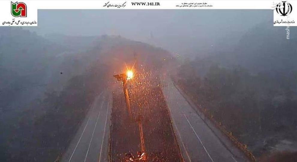 بارش شدید برف در محور فیروزکوه محدوده دلیچایی، 26 فروردین ساعت 06:40