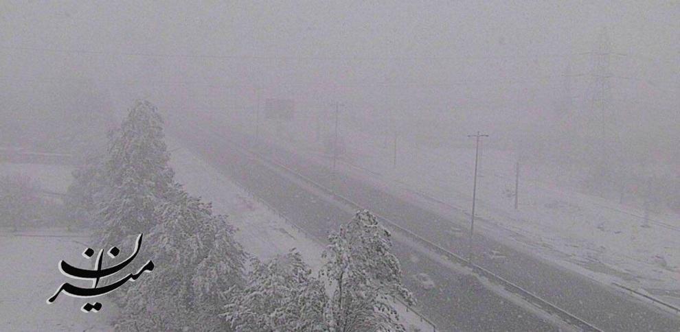 برف و کولاک شدید در آزادراه کرج - قزوین