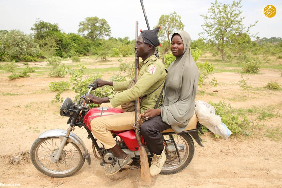 موتورسیکلتها ساده ترین وسیله برای حرکت در جنگل هستند جایی که بوکوحرام در آن پنهان شده است