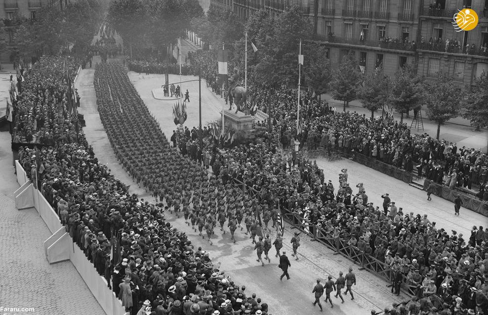 رژه سربازان آمریکایی در پاریس
