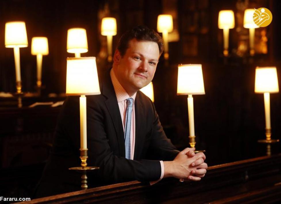 جیمز ویویان، مدیر موسیقی در کلیسای سنت جورج در قلعه وینسور