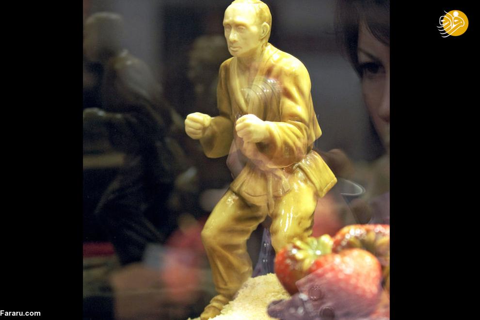 مجسمه شکلاتی ولادیمیر پوتین در اولین نمایشگاه شکلات مسکو