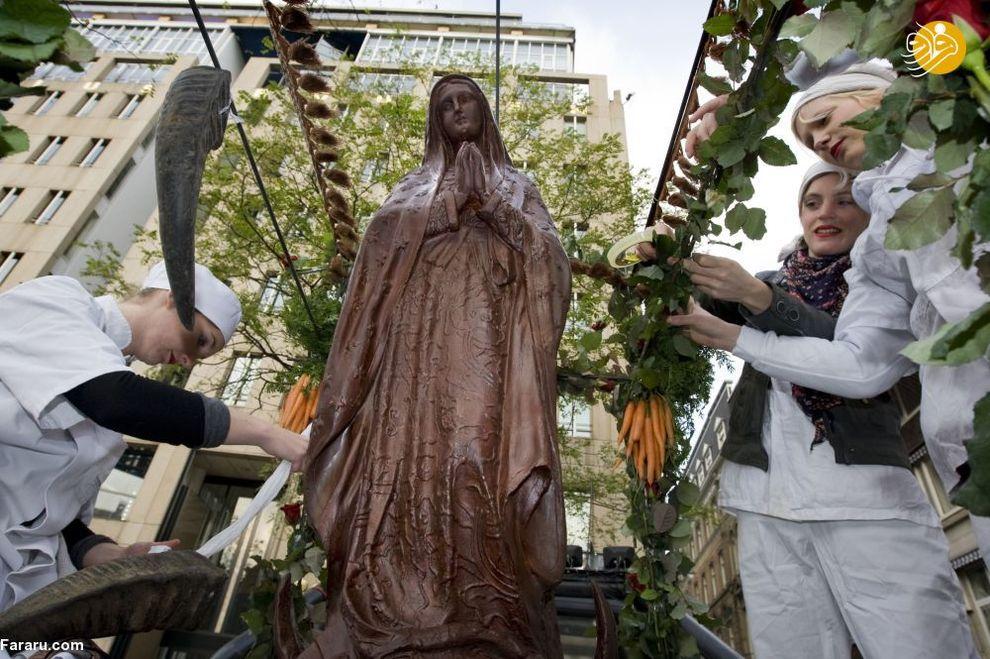 مجسمه شکلاتی مریم مقدس در آمستردام
