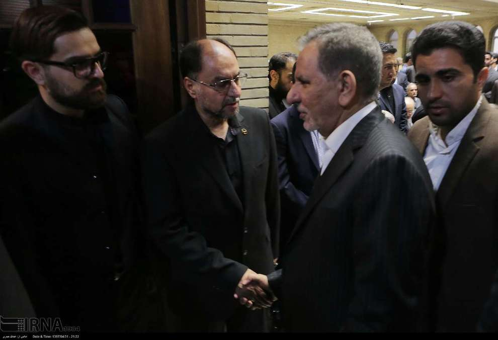 (تصاویر) حواشی و متن ختم پدر وحید حقانیان