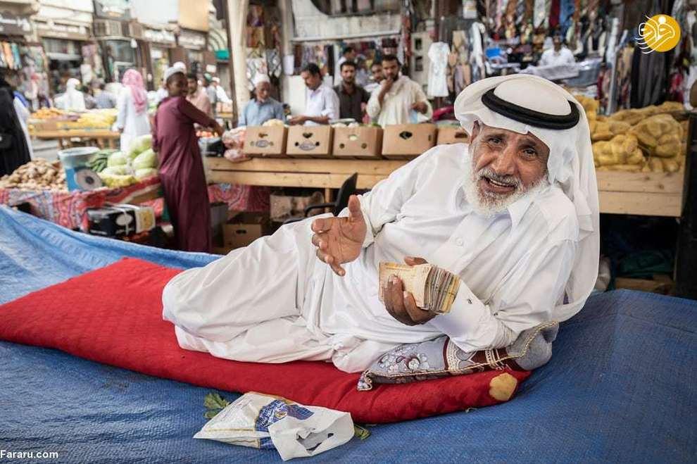 پیرمرد تاجر در بازار شهر جده