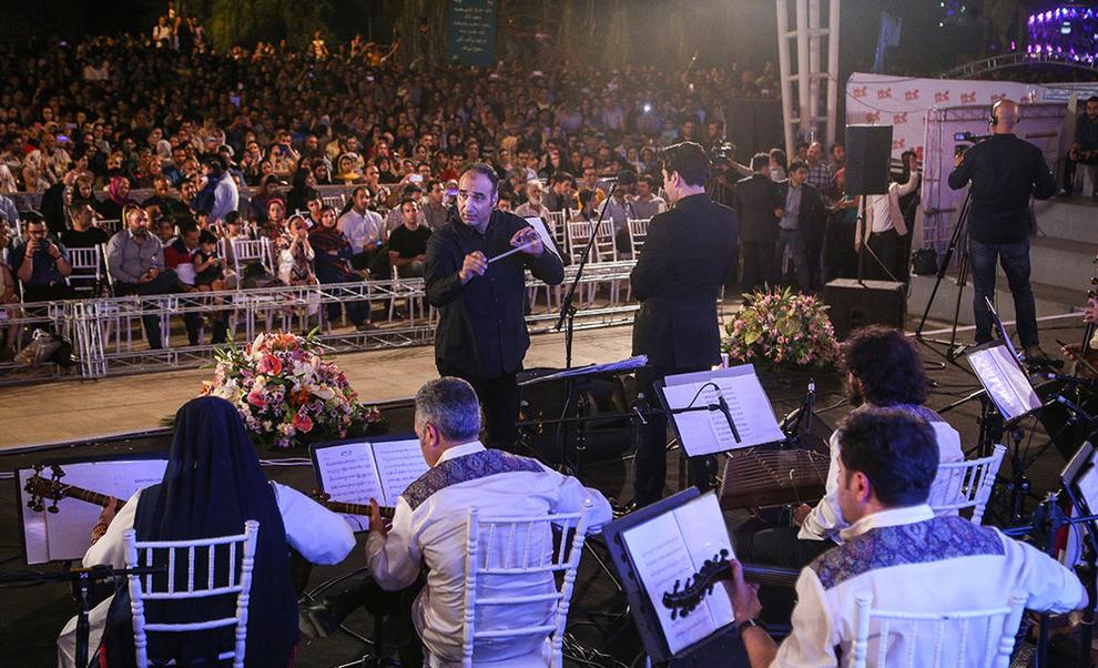 (تصاویر) اولین کنسرت خیابانی در تهران برگزار شد - 7