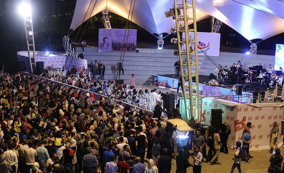 (تصاویر) اولین کنسرت خیابانی در تهران برگزار شد - 8