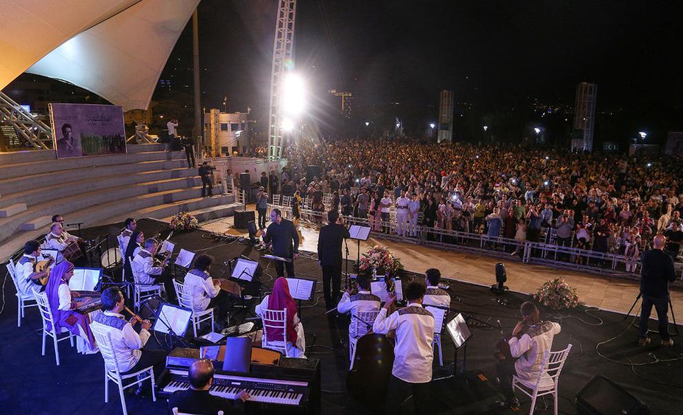 (تصاویر) اولین کنسرت خیابانی در تهران برگزار شد - 10