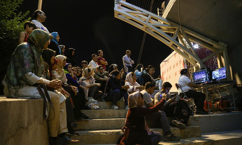 (تصاویر) اولین کنسرت خیابانی در تهران برگزار شد - 12