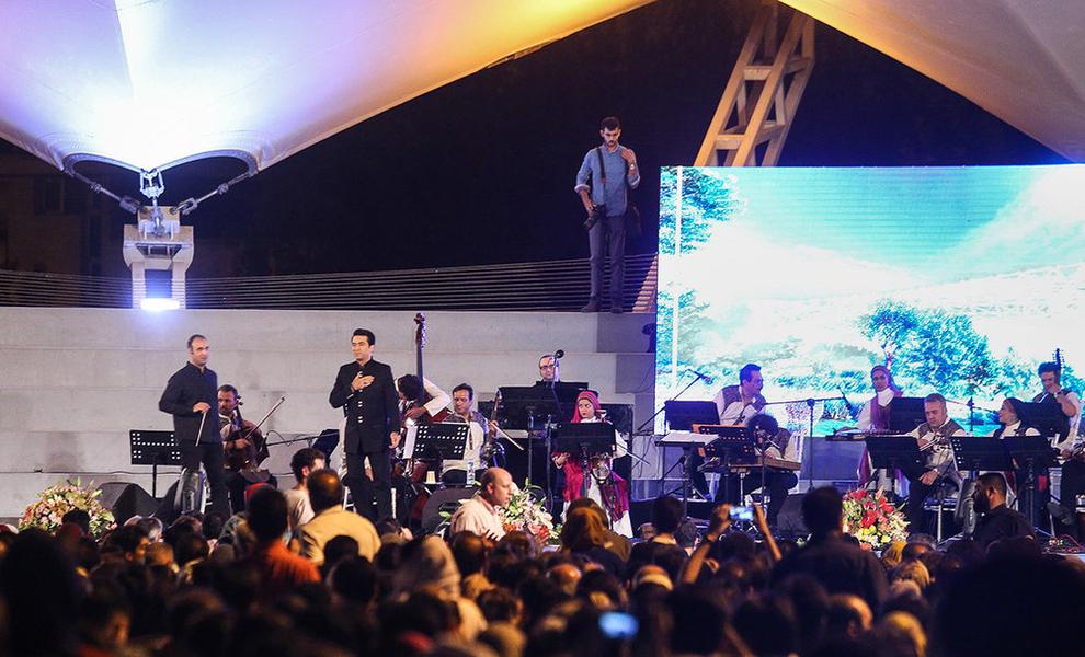 (تصاویر) اولین کنسرت خیابانی در تهران برگزار شد - 13