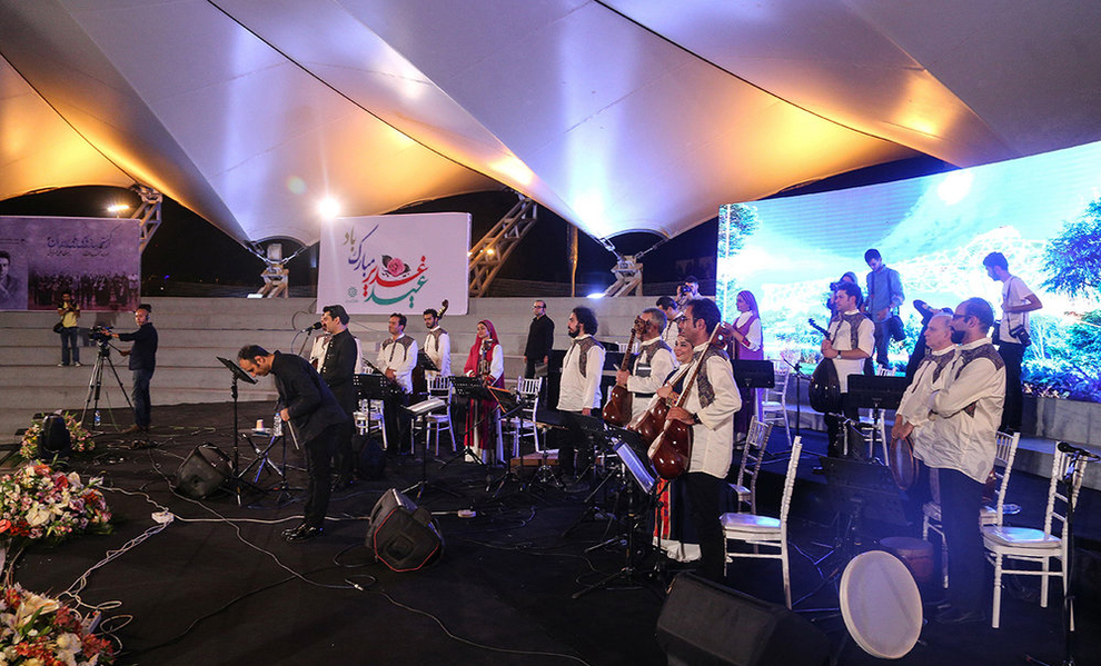 (تصاویر) اولین کنسرت خیابانی در تهران برگزار شد - 15