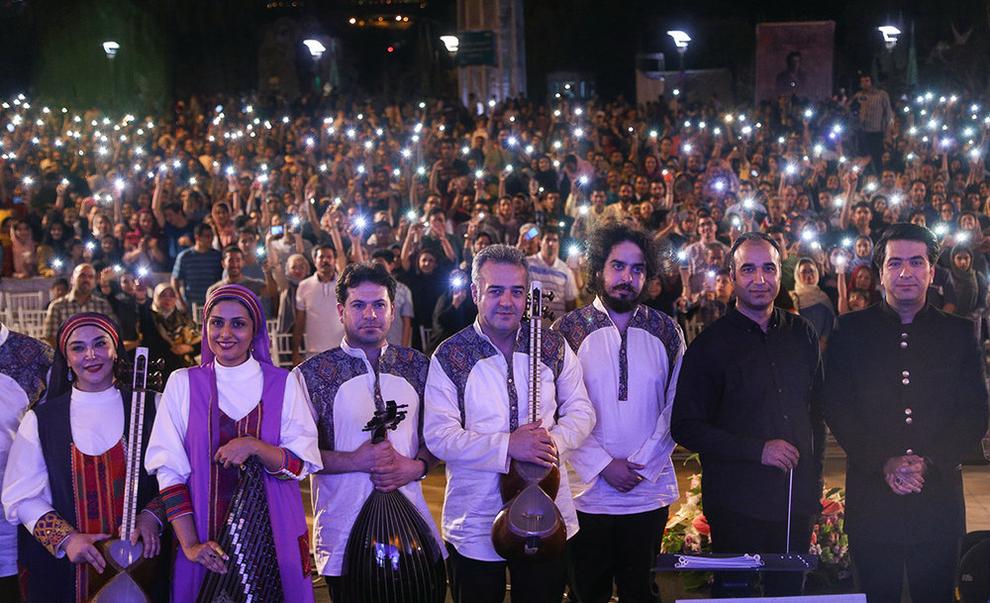 (تصاویر) اولین کنسرت خیابانی در تهران برگزار شد - 19