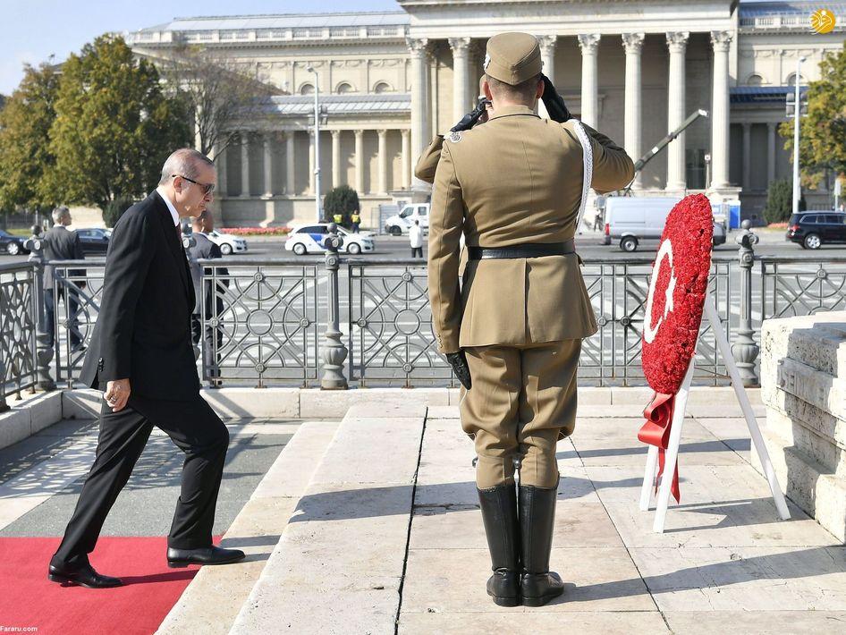 گارد تشریفات کاخ الیزه برای استقبال از رئیسجمهور ازبکستان