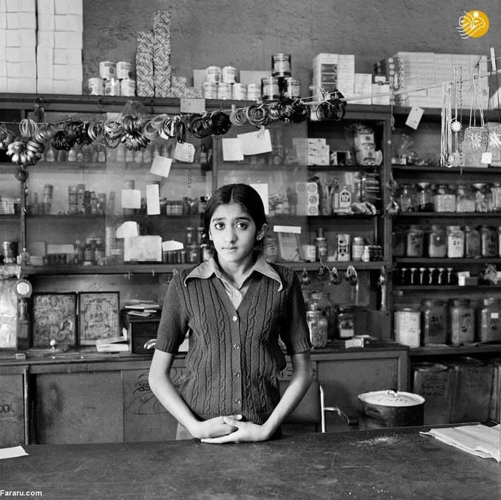 ( 1976) یاکشا مودی، دختر چاگان مودی قبل از تخریب مغازۀ پدرش به موجب قوانین آپارتایدی، در آنجا کار می کرد.