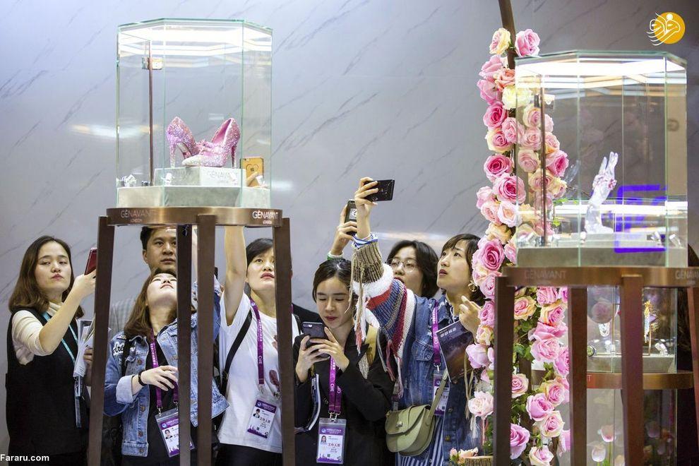 یک کفش صورتی با 10000 الماس با قیمت 4.3 میلیارد دلار(نام کفش : Chun Can)